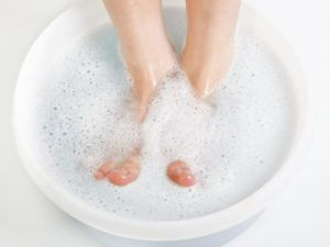 Как снять ноготь, пораженный грибком