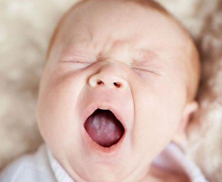 Молочница у грудничка во рту: симптомы, диагностика и лечение